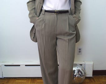 ARMANI wool blend soft suit Sz SMALL