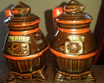 Vintage pot belly stove ceramic salt and pepper shakers, made in Japan