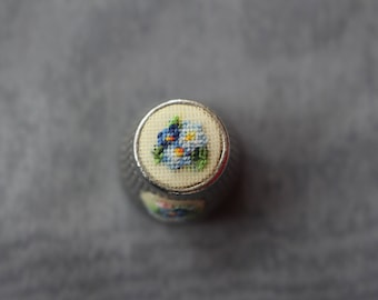 "Thimble with ebroidery ""Forget-me-not"" 10mm + 10x15mm"