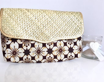 Batik and Rafia pouch * door Documents * Clutch * hand made in Indonesia