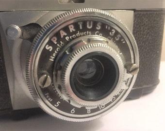 "Vintage Spartus ""35"" bakelite 1940's camera classicvintagebydave"