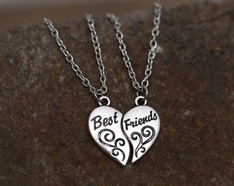 BEST FRIENDS Charm Necklace Silver