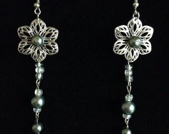 Pearls 'n' Flowers