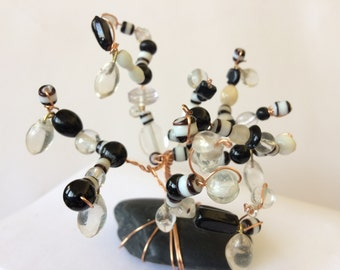 Black and White Glass Bead and Copper Wire Tree