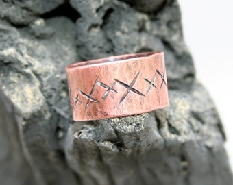 12mm Hammered Copper X Ring Size 12 1/2-12 3/4