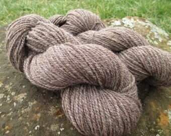 Natural Colored Yarn/Worsted weight 2-ply yarn/Organic yarn/Tweed yarn/Lambswool blend yarn