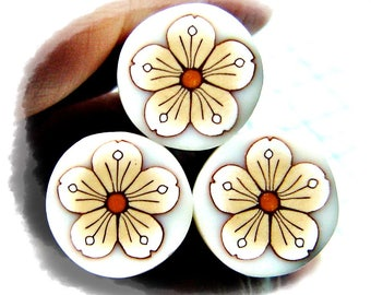 Polymer clay flower cane: Raw polymer clay cane - Millefiori cane supplies - White and beige flower cane - Supplies for jewelers