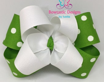 Green & White Polka dot hair bow, Green Polka dot bow, boutique bow, Girls hair bow, Toddler Bows, Polka dot bows, Tulle Bows