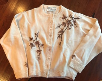Vintage Women's Peacock Sweater - Cream with Detailing - Extra Small
