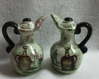 Salt and Pepper - Green Pitchers with Wine Bottle Pictures (#029)