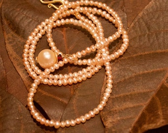 Pearl Necklace long with large off-White Pearl