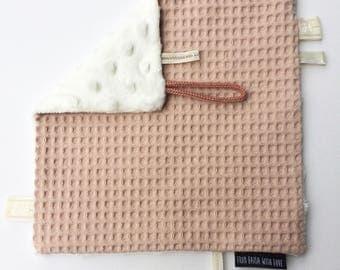 Suckling cloth pink waffle fabric