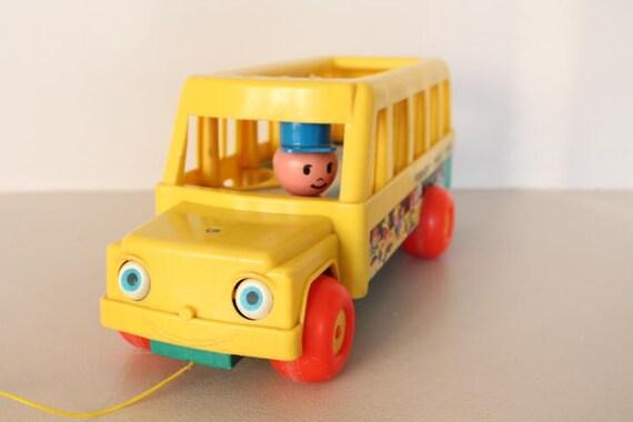 Bus jaune Fisher Price cadeau noël enfant bus little people