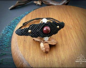 Macrame Bracelet with Mookaite Jasper and Rose Quartz.Bohemian jewelry. Boho chic. Gemstone jewelry. Mookaite jewelry. Unique Design.