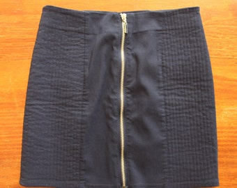 H&M navy skirt with zip (size 6 US)
