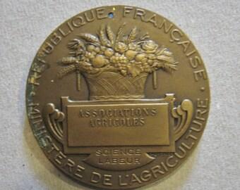 A Nice French Agriculture Bronze Award Medal - Republique Francaise Ministere de L'Agriculture