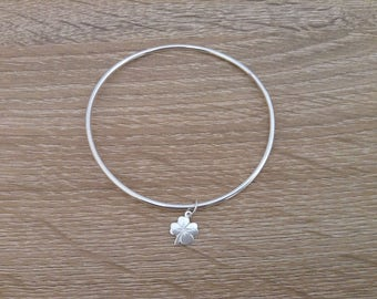 Bracelet silver plated smooth ring 925 with his clover in 925 Sterling Silver charm.