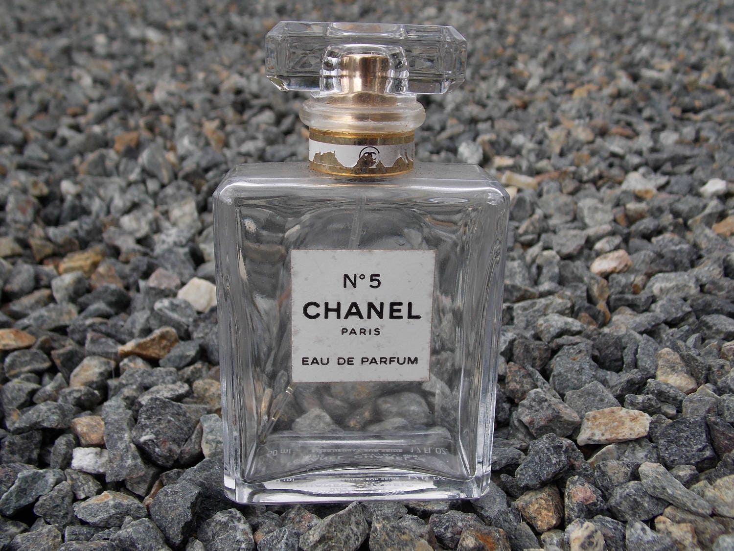 chanel no 5 paris eau de parfum 50ml bottle. Black Bedroom Furniture Sets. Home Design Ideas