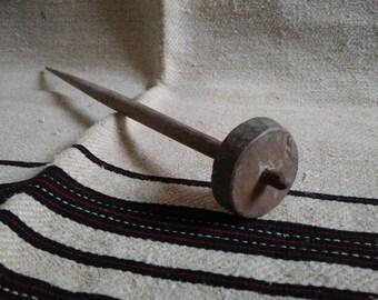 Vintage drop spindle,Vintage Wood drop spindle,Hand turned wooden top whorl drop spindle, Rustic home decor,Old drop spindle