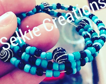 Blues memory wired bracelet