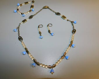 blue flowered necklace set