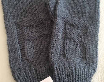 Knitted gloves, Personalized gloves, Wool gloves, Initiales, Soft gloves, Winter gloves, Warm gloves, Winter accessories, Black gloves