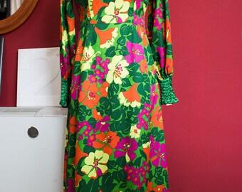 70's vintage dress Handmade 100% silk floral pattern