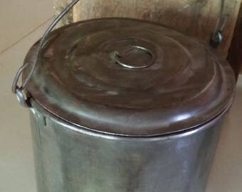 Old Tin Lunch Bucket/Pale