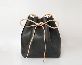 Handmade Leather Bag, Bucket Bag, Shoulder Bag, Cross Body Bag, Handbag with Vegetable Tanned Leather