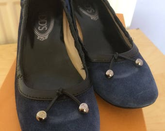 TOD's Blue Suede Court Shoes Kitten Heel