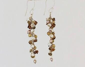Neutral colors cluster earrings