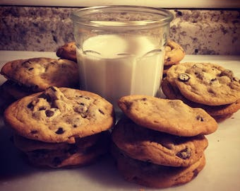 Chocolate Chip Cookies Homemade Bakery Style!