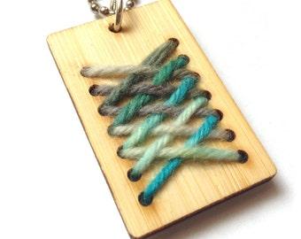 Weaving Loom Kit, Key tag, Woven Pendant, Diagonal