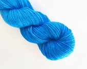 cerulean blue / hand dyed yarn / mini skein / sock fingering yarn / merino wool superwash / semi-solid medium blue / sock mini / embroidery