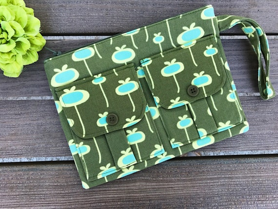Cellphone Wristlet Wallet, Cellphone Wallet, Clutch Purse, Gift for Her, Green Fabric Wallet