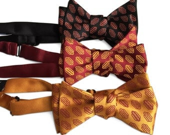 Coney Dog Bow Tie. Wieners and Buns! Hotdog Party Printed Men's Bowtie. Detroit Coney, Chicago Dog, Hot Dog lover gift.