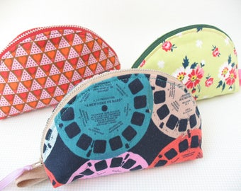 Dumpling Pouch Case  – View Masters, Hearts or Flowers - Purse or School organizer – Cotton Fabrics - Modern Trendy Design