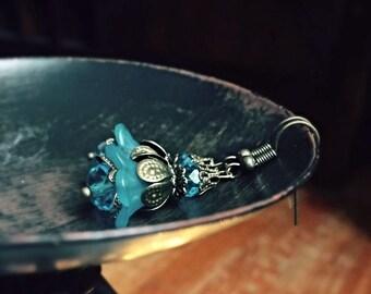 lucite flower earrings, blue flower earrings, blue earrings, lucite earrings, antique brass earrings, flower earrings, flower earrings, gift