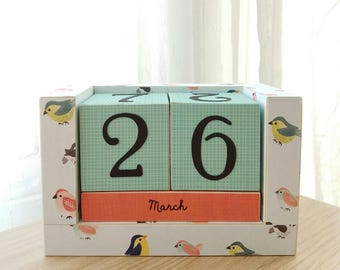 Perpetual Wooden Block Calendar - Little Happy Birds and Wrens