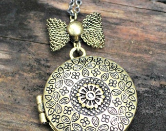Intricate Sketched 1.5 Inch Brass Magnetic Locket with Bow on 18 Inch Brass Chain