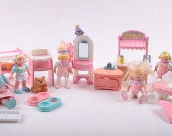 Large Lot of Little Tykes Family Dolls, Doll Furniture, Children and Mother, Baby Furniture ~ The Pink Room ~ 170217