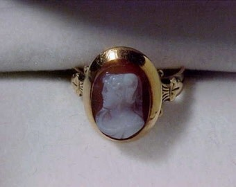 Victorian Carved Agate Cameo Pinky Ring 14kt yellow gold SZ 4