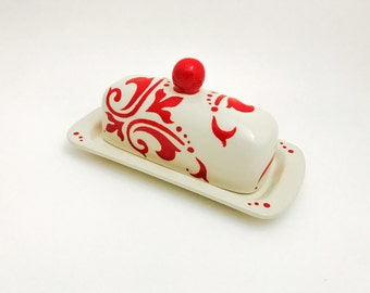 Butter Dish.Butter Dish. Red and White Damask Butter Dish. Floral. Damask. Handmade by Sara Hunter Designs on Etsy