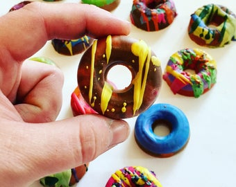 Donut Crayons - Mini Donut Crayon Boxed Set of 4 Recycled Crayons - Donut Recycled Crayon Set - Birthday Crayon Favors