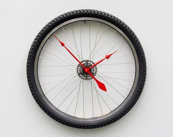 bike wheel clock, bike tire clock gift, mountain bike, steampunk gift, cycle clock, timepiece, bicycle clock, Recycled Bike Wheel tire clock
