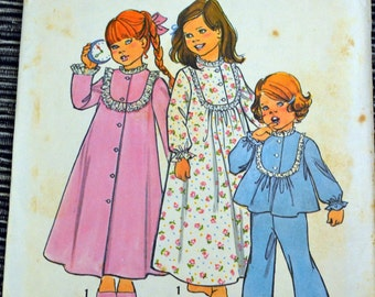 Vintage 1970's Girls' Robe and Pajamas Sewing Pattern Simplicity 6687 Girls'  Size 5  Breast 24 inches  Complete