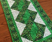 St Patricks Pole Twist Table Runner
