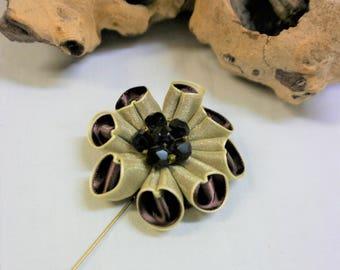Lapel  Pin Kanzashi Flower - Lemon & Chocolate - Handmade in France