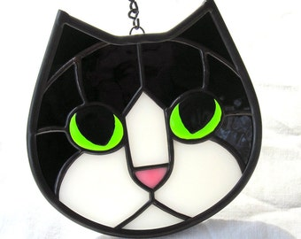Stained Glass Tuxedo Cat Face Suncatcher with Green Eyes