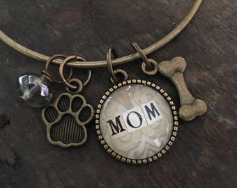 Dog Mom Bangle bracelet, charm bracelet, gift for mom, stacking bracelet, personalized jewelry, Mother's Day Gift, dog lover bracelet
